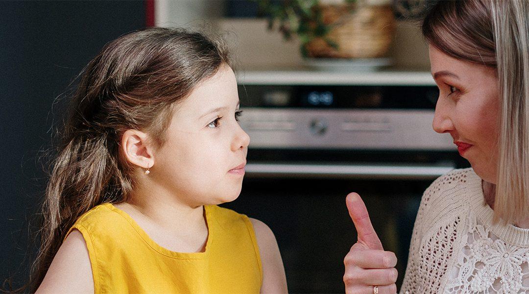 Légy a gyermeked érzelmi vezetője: 10 segítő mondat, amikor a gyermeked zaklatott
